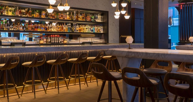 Scarpetta bar with stool seating