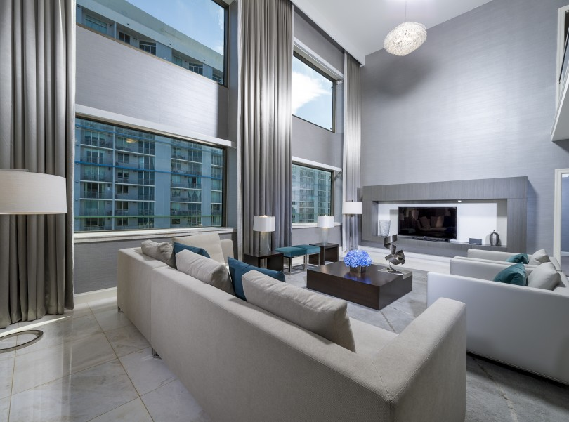 intercontinental miami metropolis suite living area