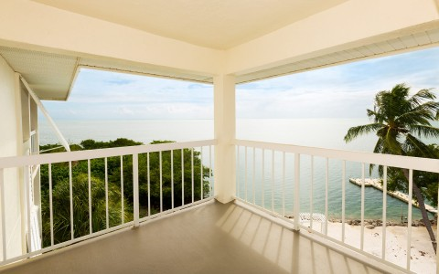 balcony ocean view