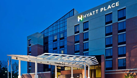 exterior of hyatt place herndon dulles airport east