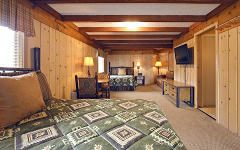 room with two beds in jackson hole lodge