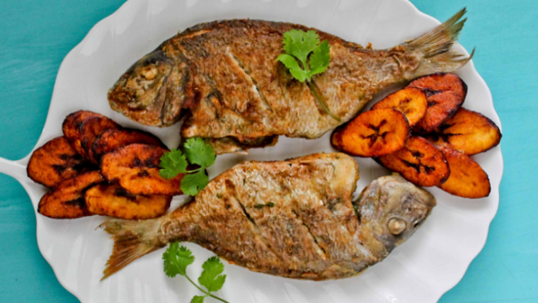 Fried fish with sweet plantains