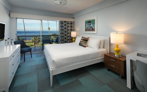 hotel room with 2 bed and access to ocean view balcony
