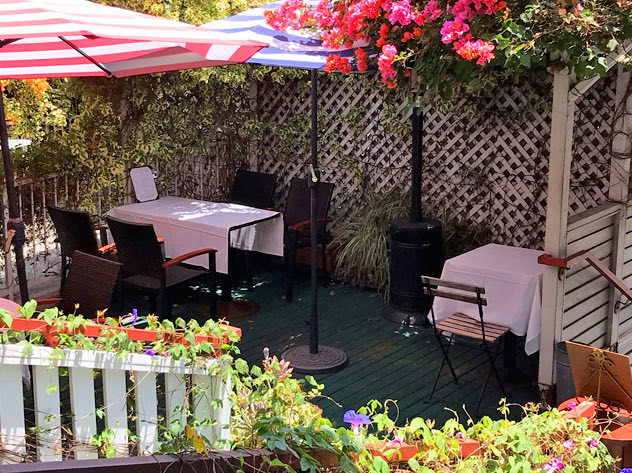 Outdoor dining at Off Vine