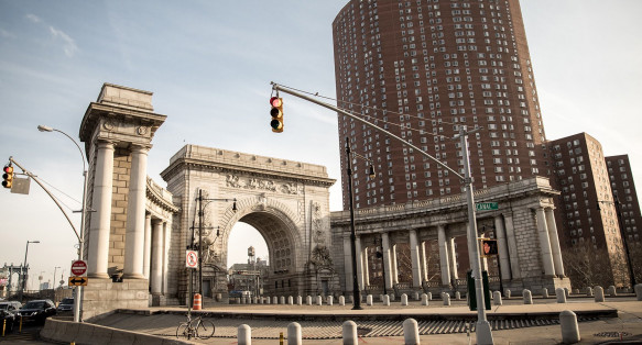 Architectural arch over road entrance to Manhattan bridge