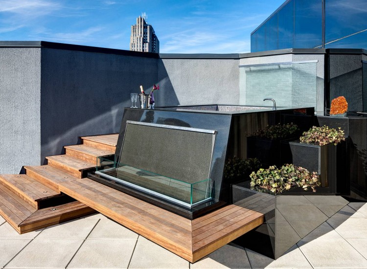 Jewel Suite outdoor terrace with modern Jacuzzi