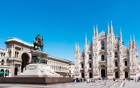 Piazza Duomo on a sunnyday