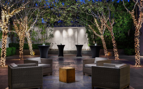 Luxe Sunset Courtyard  12