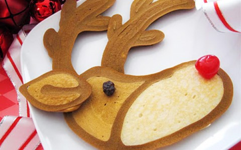 pancake shaped in a raindeer