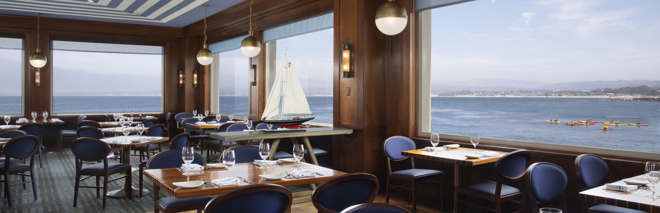 schooners dining room overlooking ocean header