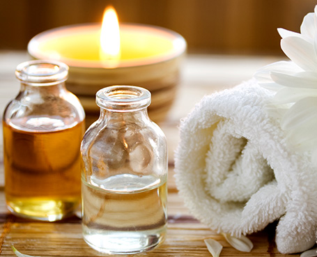 massage oils and candle Image