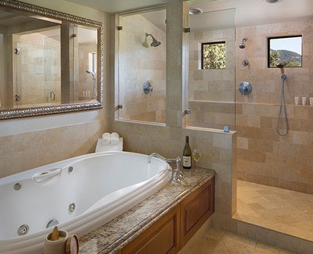Bella Vista Suite bathtub and shower