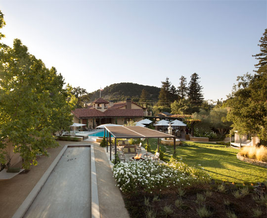 napa valley lodge exterior shot