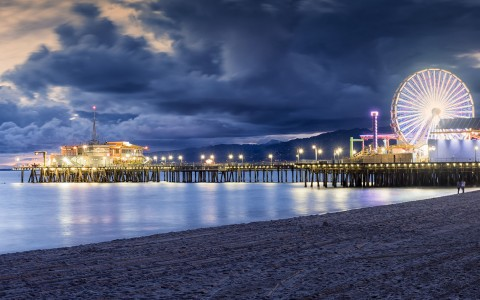 Santa monica pier night time