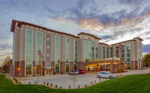 TownePlace Suites by Marriott hotel exterior and parking lot