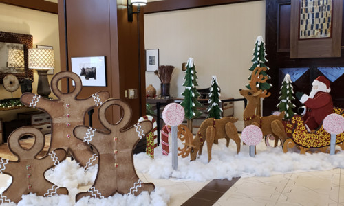 overton gingerbread house display