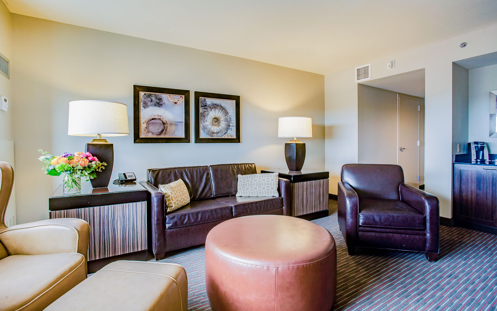 king suite with lounge area