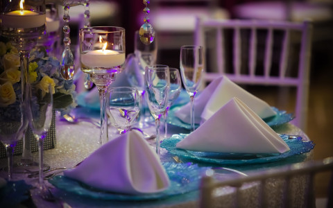 table arrangements for a wedding