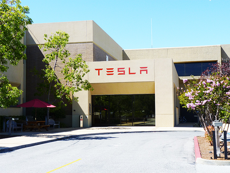 tesla-motors-showroom