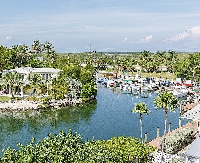 World-class marina with overnight dockage available