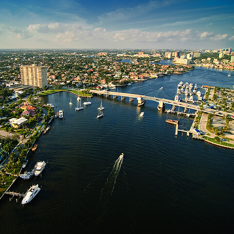 aerial view of the intracoastal waterway in fort lauderdale florida