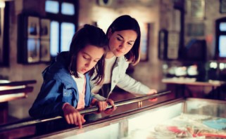 mother and daughter at museum