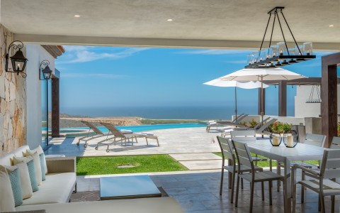 What to Look for When Buying Real Estate in Los Cabos Blog Post
