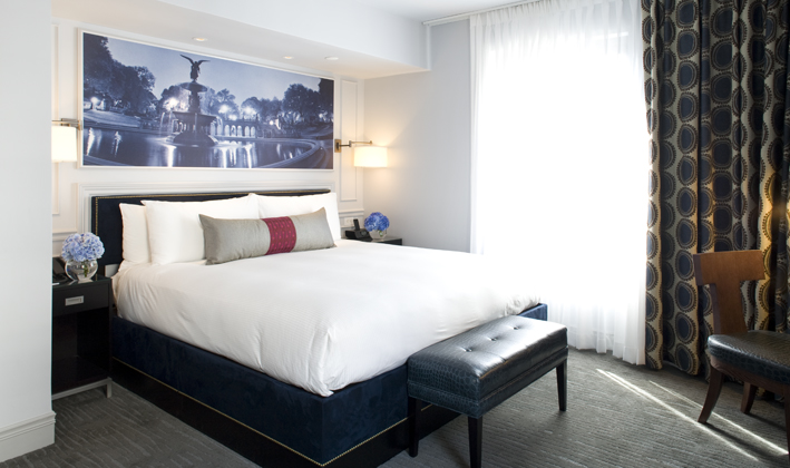 Premier Corner King guestroom features one king bed