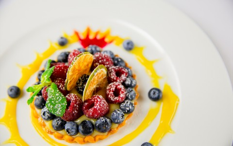 fruit tart with blueberries and raspberries