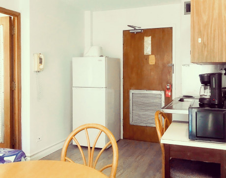 One Bedroom Kitchen without AC
