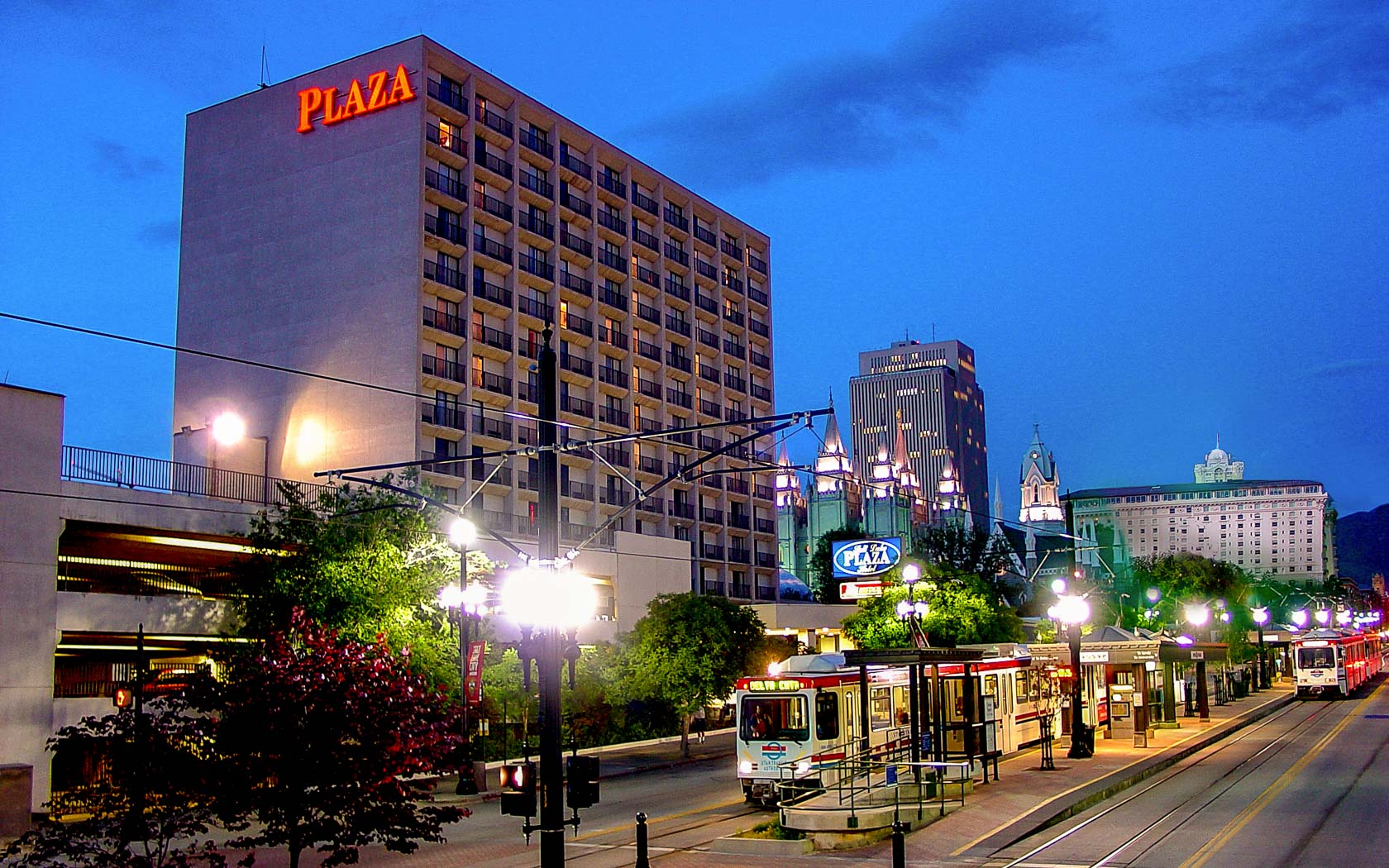 Exterior of Salt Lake Plaza Hotel at night