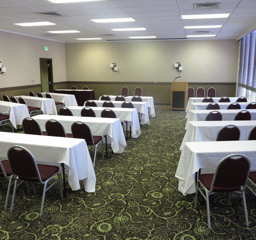 Salt lake meeting room with rectangle tables and chairs