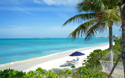 Be a Beach Bum in Nassau