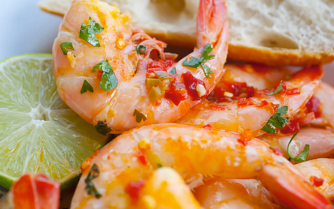 Close up of shrimp & lime