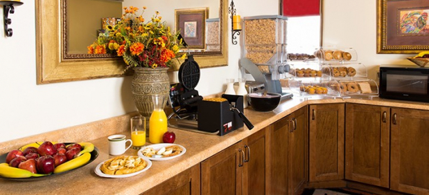 Santa feSage Inn breakfast buffet