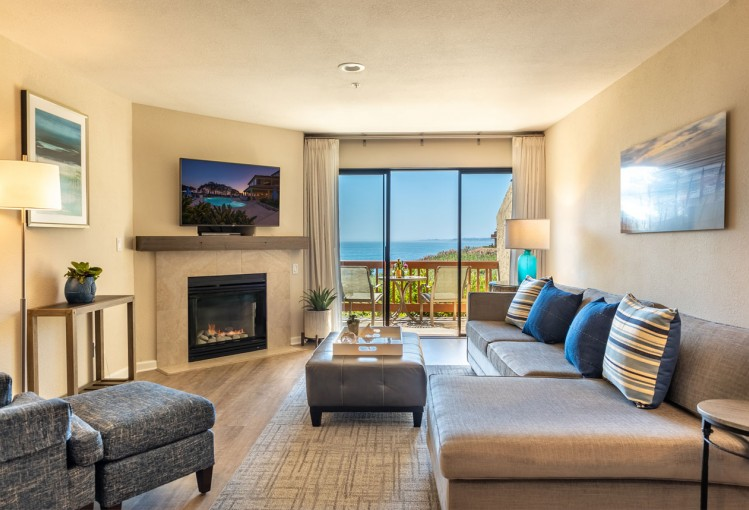 suite with ocean view with fireplace