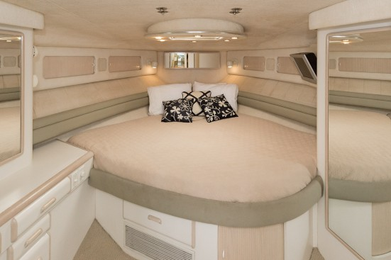 shem creek yacht bed