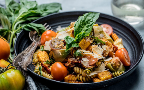 bowl of vegetable pasta