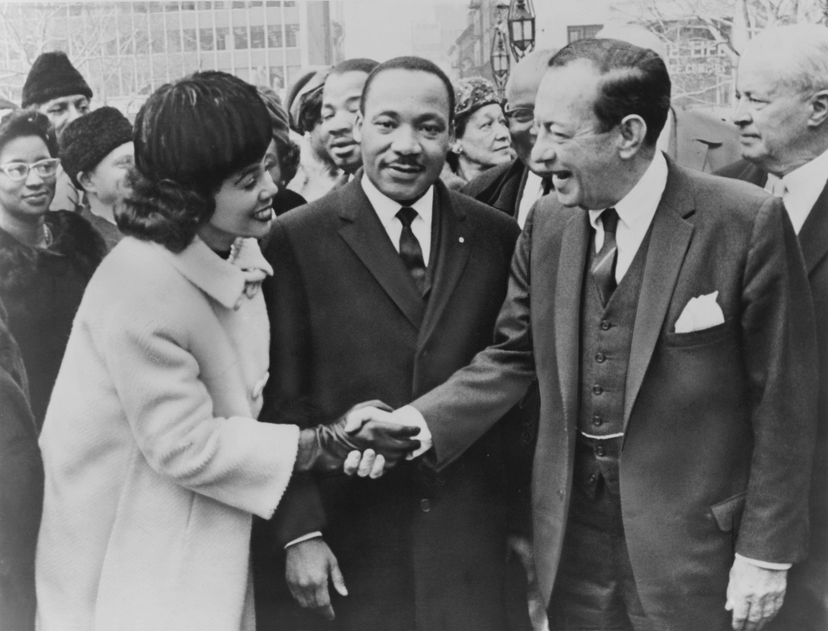 coretta scott king and martin luther king jr. at rally