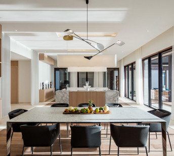 Beachfront Villa Dining Area