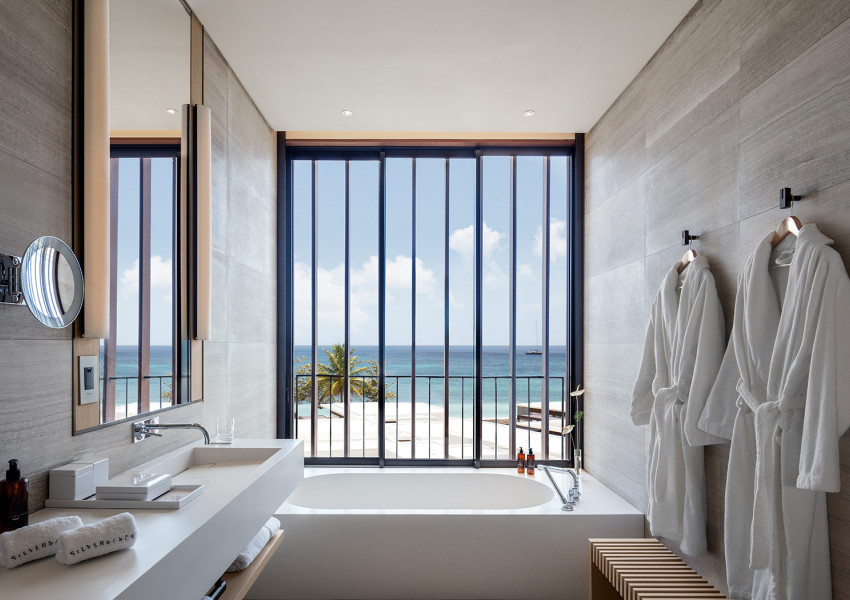 silversands accommodations oceanfront bathroom