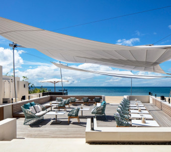 GG Lounge Beachside Dining
