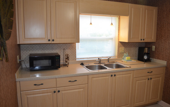 Large 2 Bedroom Vacation Cottage - #129-cottage129 07 full kitchen