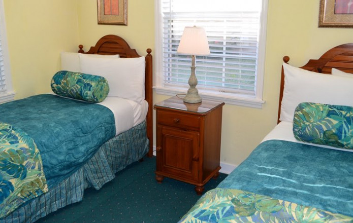 Large 3 Bedroom Vacation Cottage - #134-sunviking rooms cottages 3 bedroom 134 05
