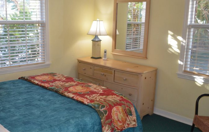 Large 3 Bedroom Vacation Cottage - #134-sunviking rooms cottages 3 bedroom 134 07