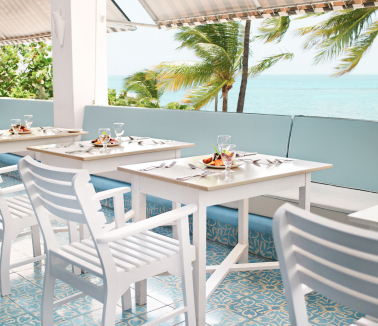 Couples Tower Isle outdoor dining