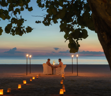 Couples Resorts Romantic Dinner