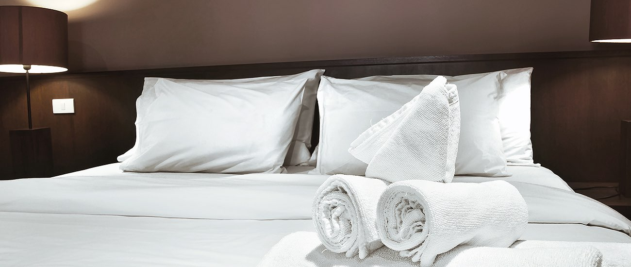 linens on a hotel bed