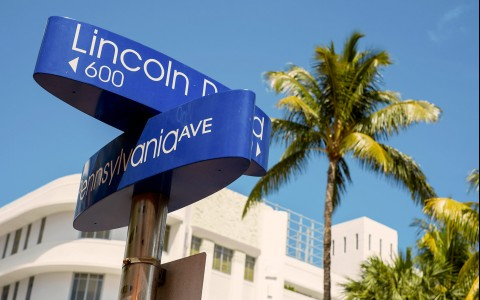 blue street signs for lincoln road and pennsylvania ave