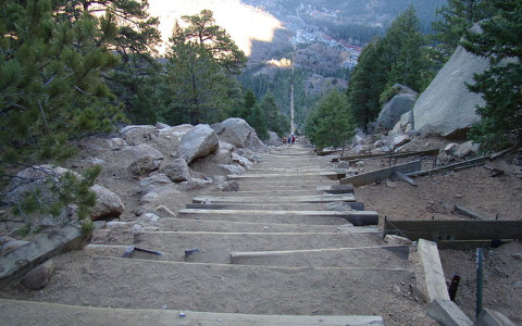 steepmanitouincline